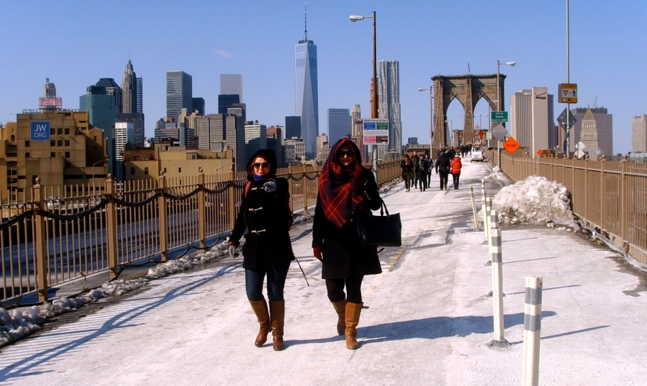 Jennifer and Carly crossing Brooklyn Bridge. The Reel Feel™ was −24° C.
